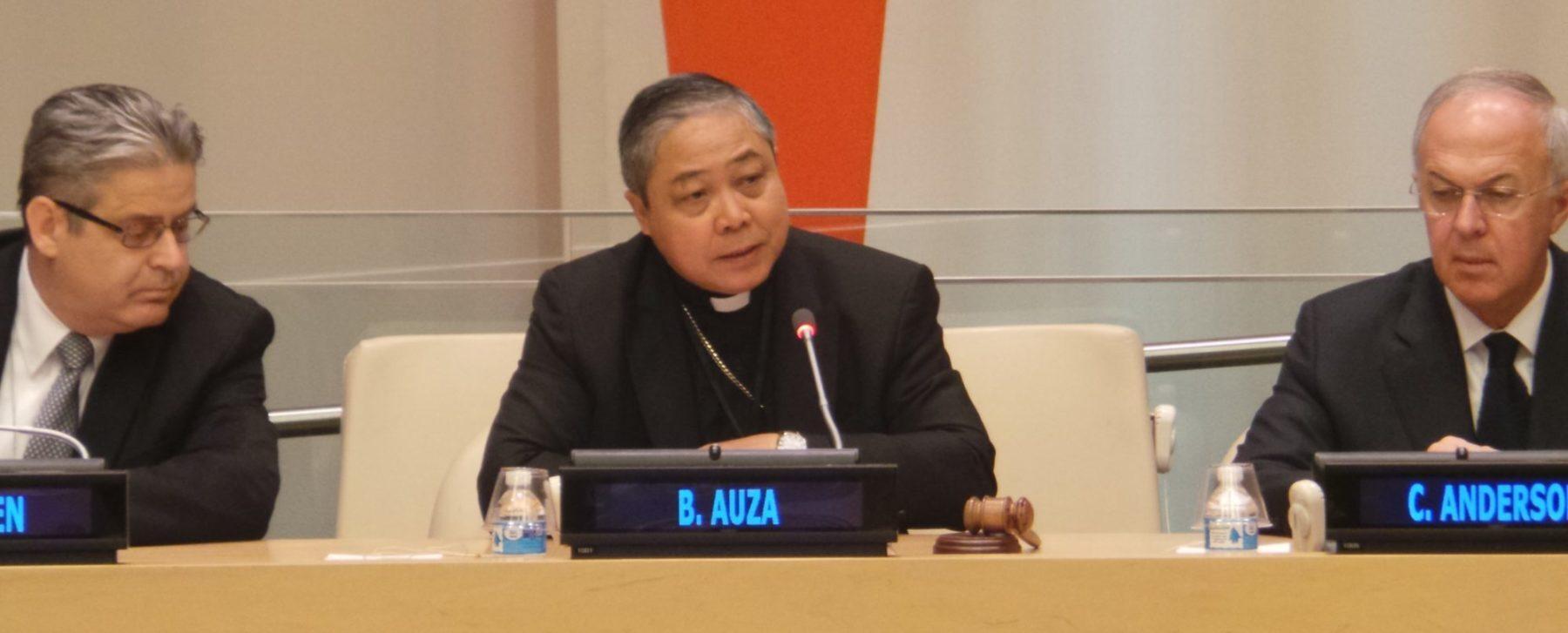 """Aartsbisschop haalt uit: Westen gebruikt ontwikkelingshulp als """"Trojaans paard"""" voor abortus"""