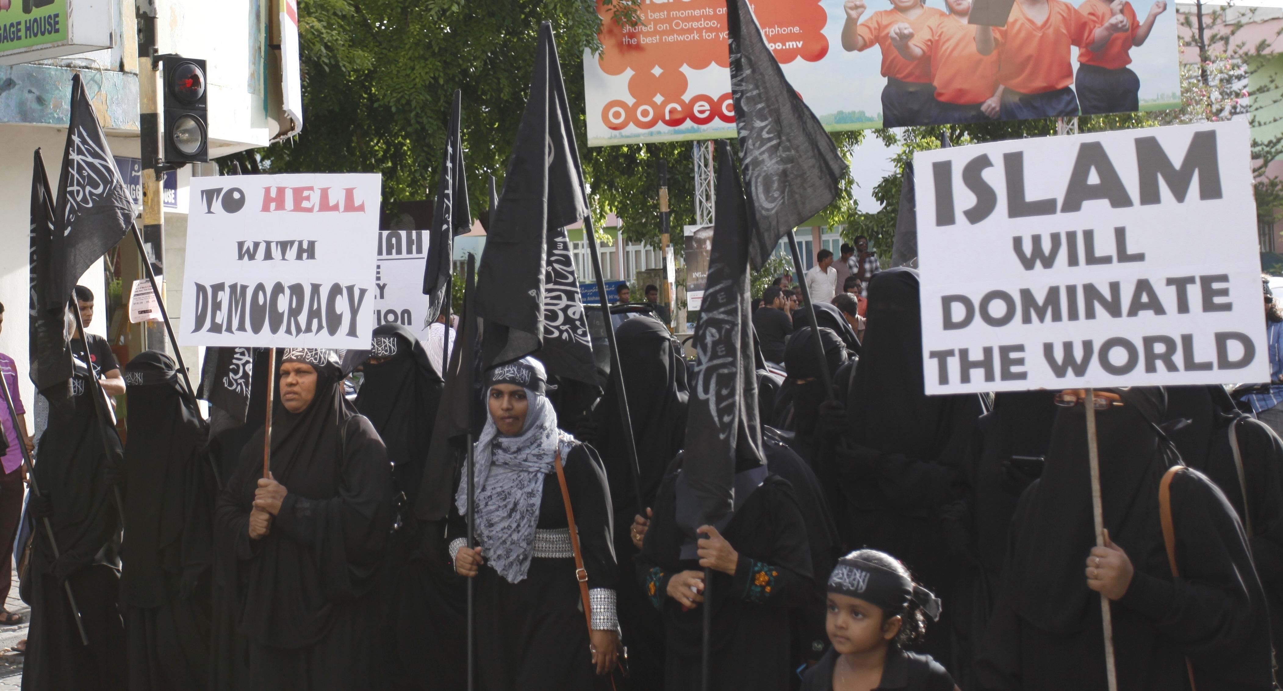 Katholieke geleerde: 'We kunnen niet ontkennen dat islam tot terrorisme leidt'