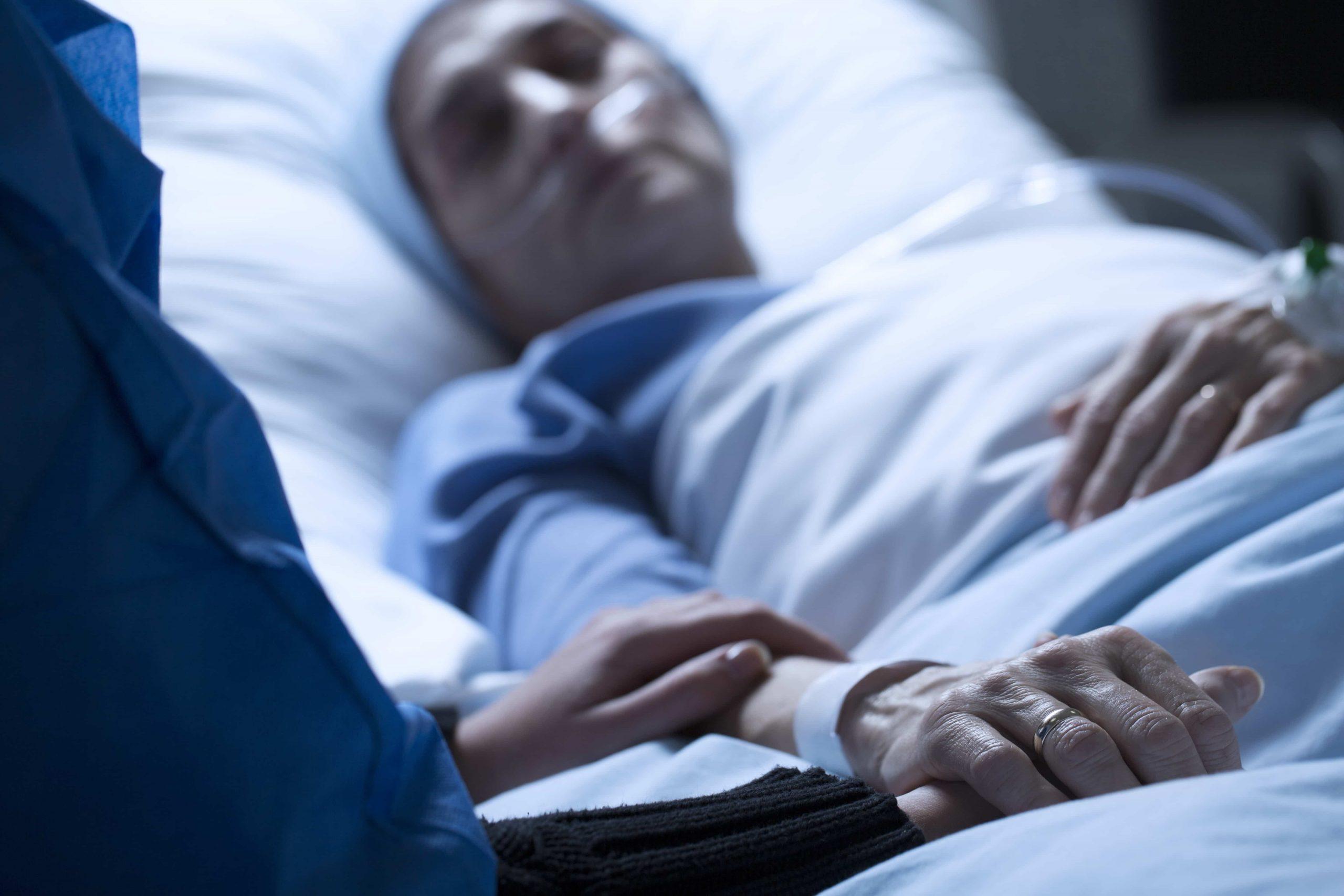 Poolse regering komt op voor 'verstervende' Pool in Engels ziekenhuis