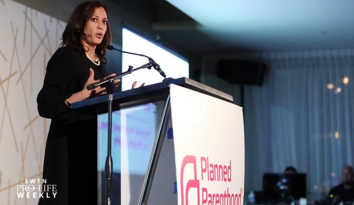'Kamala Harris verstrengelt belangen met abortusindustrie'