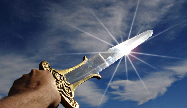 Een symbolische mesaanval kondigt de onthoofding van het Westen aan