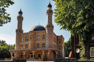 Ouders beboet om weghouden kind bij verplicht moskeebezoek