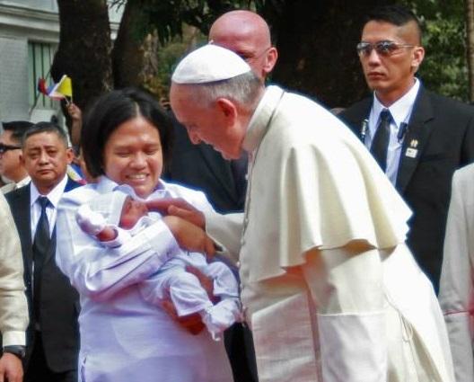 Paus versus Ploumen: Kerk zal altijd tegen abortus zijn