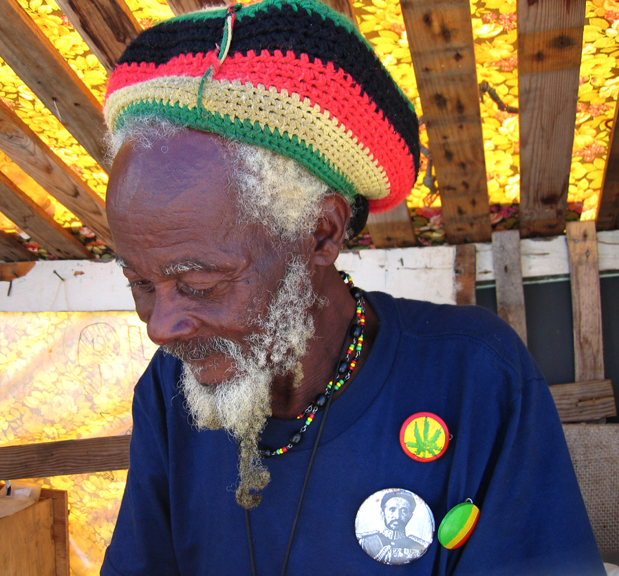 Als Rastafari verklede studenten op feest: racisme!