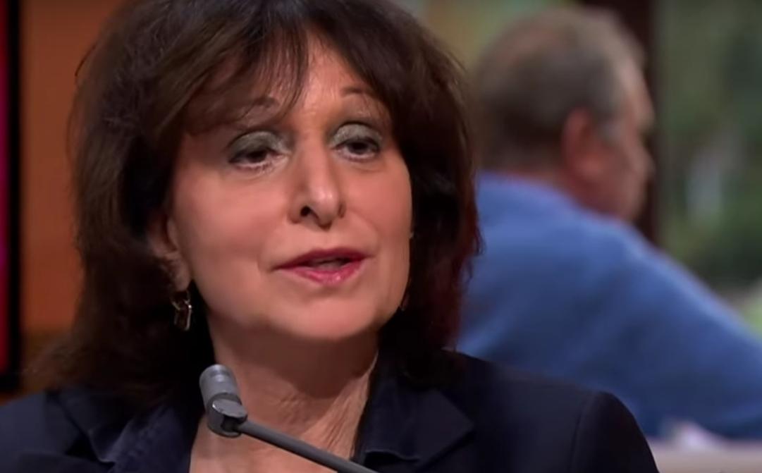 Shula Rijxman (NPO) neemt petitie Gezin in Gevaar in ontvangst, maar handhaaft 'Gewoon.Bloot.'