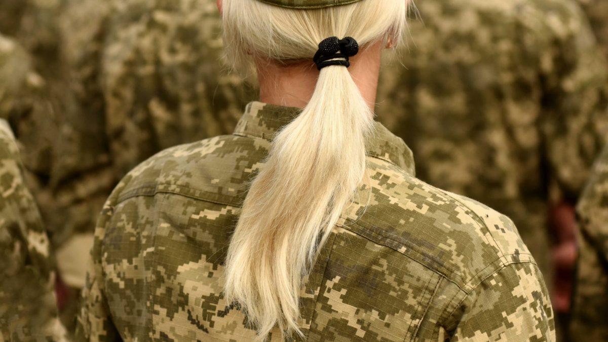 Vindt u het een goed idee dat Defensie een vrouwenquotum invoert?