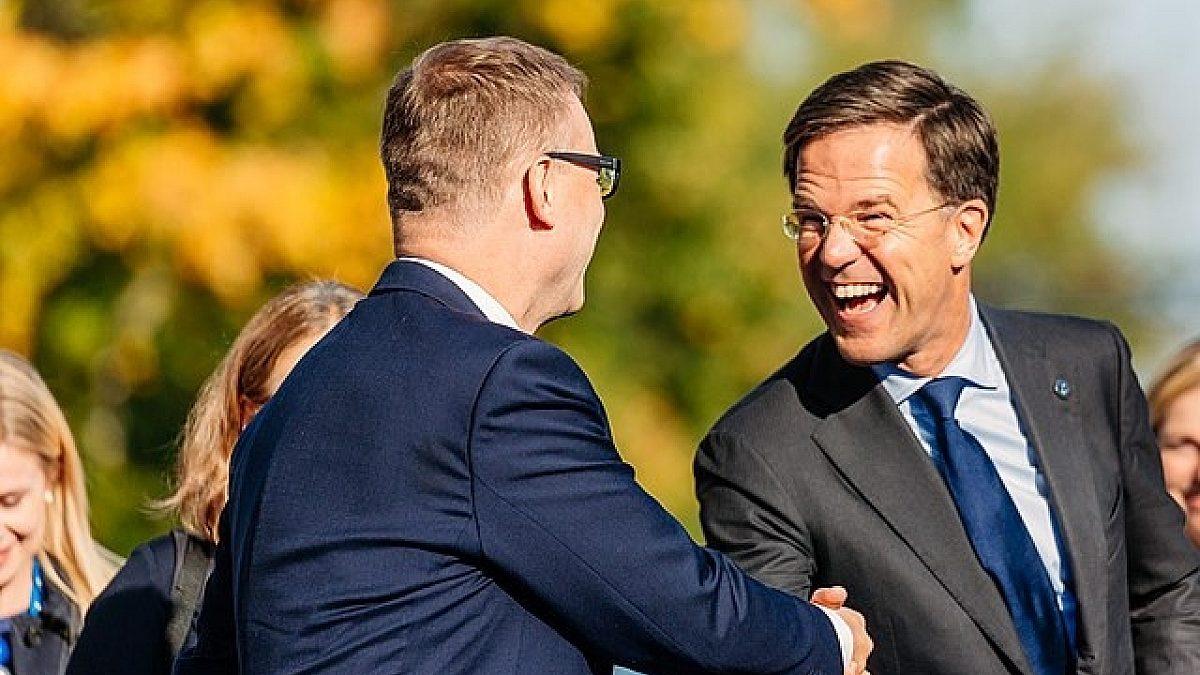 Welk rapportcijfer geeft u Rutte's optreden in Brussel?
