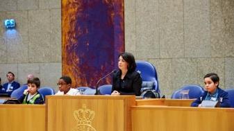 Kan een Marokkaanse staatsburger de voorzitster van het Nederlandse parlement blijven?