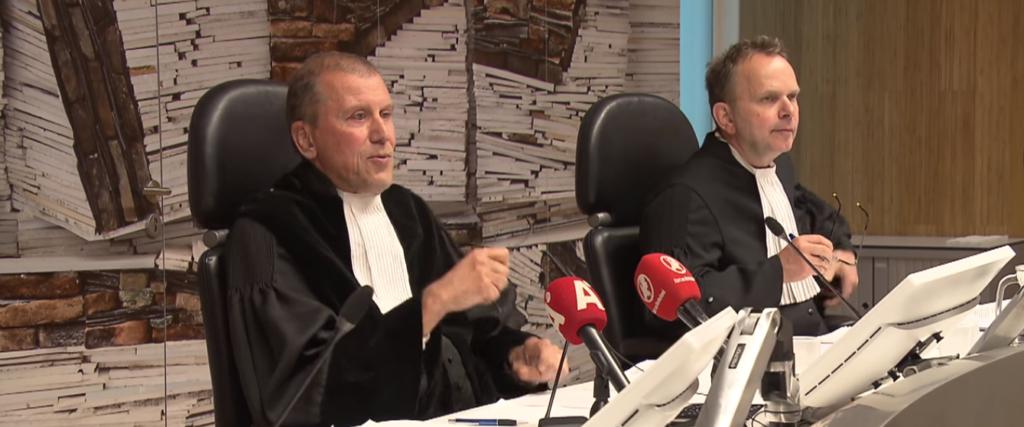 Linkse rechter laat krakende illegalen blijven. Laat burgemeester NU optreden!