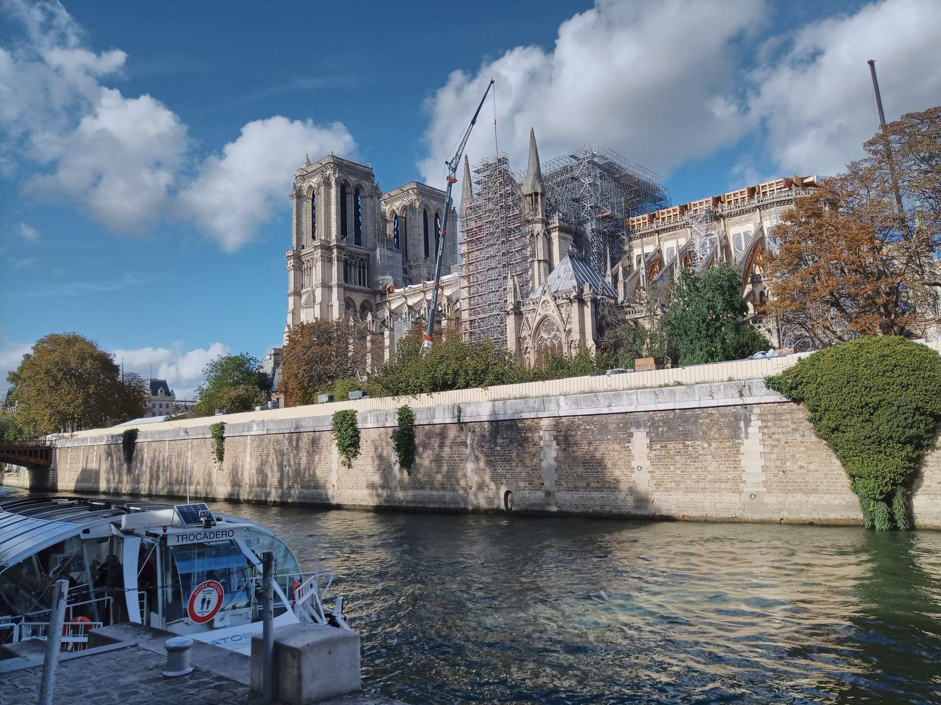 De wederopbouw van de Notre-Dame raakt Frankrijk tot in de kern