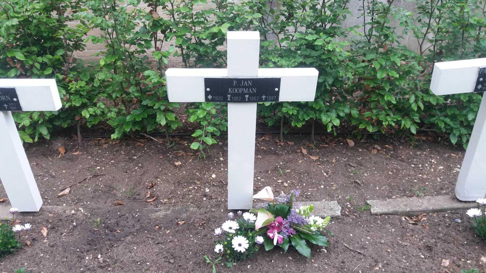 Stirezo herdenkt Pater Koopman