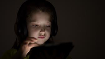 Thuisles over seksualiteit: 'Laat ouders niet meeluisteren'