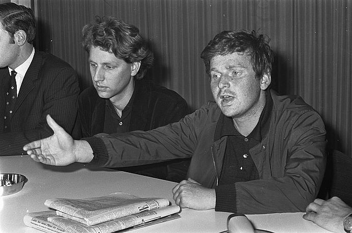 1280px Aankomst linkse studentenleider Karl Dietrich Wolff op Schiphol De Franse stude Bestanddeelnr 921 3748