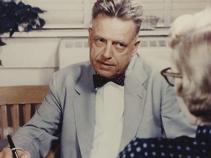 William Dellenback Alfred Kinsey interviewing a woman Courtesy of The Kinsey Institute for