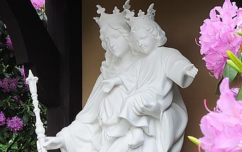 Hoe kan ik een levendige devotie tot de Heilige Moeder ontwikkelen?