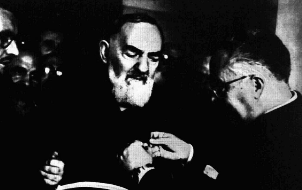 Hoe de zielen uit het vagevuur Padre Pio om hulp smeekten