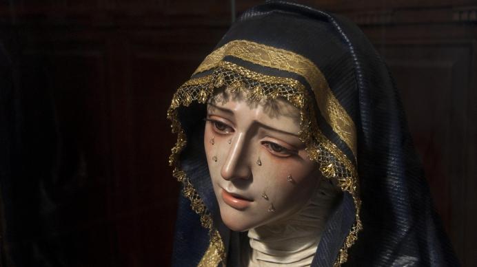 Heilige Moeder tranen min