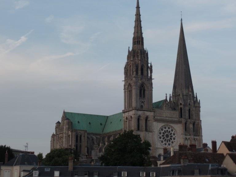 Kathedraal van Chartres: een kleinkind van God dat u zult doen opbeuren en inspireren